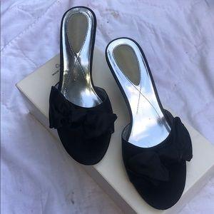 Liz Claiborne flex black sandals heels